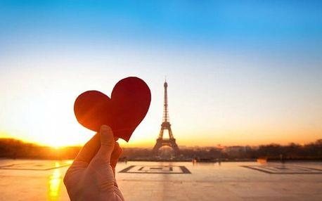 4denní zájezd do Paříže na Valentýna pro 1 osobu se sektem do páru a ubytováním