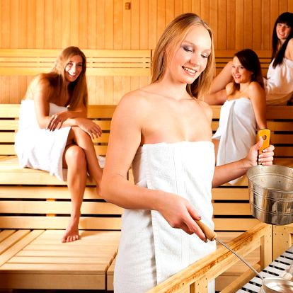 Sauna, grilované koleno a pivo pro 4 osoby