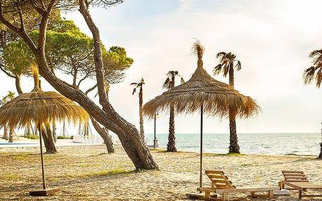 Hotel Benilva, Ubytování se snídaní přímo u pláže, kousek od centra města