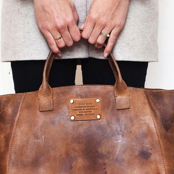Hnědá kožená kabelka O My Bag Fly Violet Midi - doprava zdarma!2