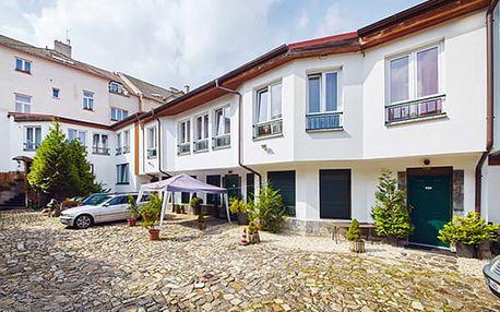 Relaxační pobyt v hotelu Clochard pro dva na 3 dny s polopenzí, vstup do Aquasvěta, zooparku.