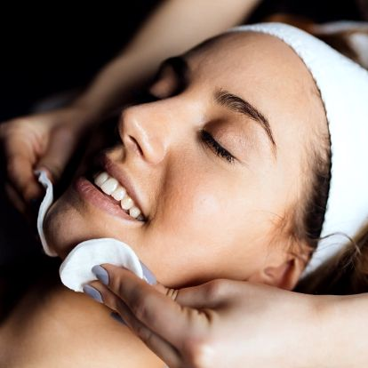 Celkové kosmetické ošetření aknózní pleti s ozónem