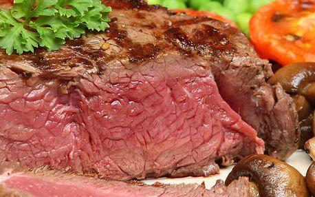 Steak, palačinka a džbán vína - Valentýnské menu pro dva. Hovězí rib eye steak s hranolky, omáčka.
