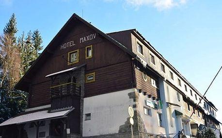 Last minute lednový pobyt pro dva v hotelu Maxov v Jizerských horách. Pobyt v sauně jako dárek.