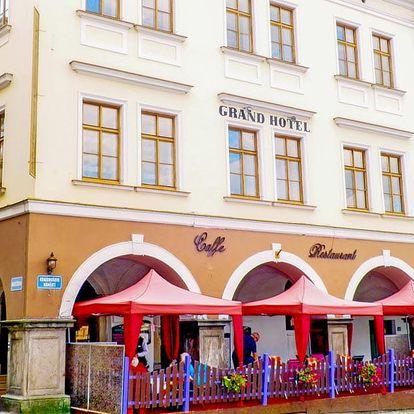 Královský pobyt v Grand Luxury Hotelu pro dva