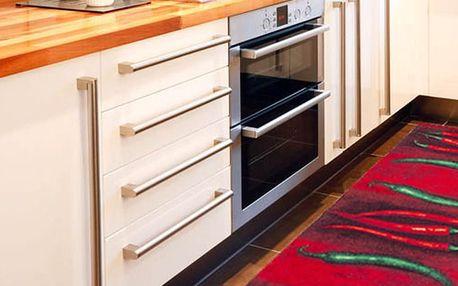 Vysoce odolný kuchyňský běhoun Webtappeti Peperoncini, 60x220 cm - doprava zdarma!