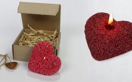 Svíčky ve tvaru srdce se vzorem růží v krabičce