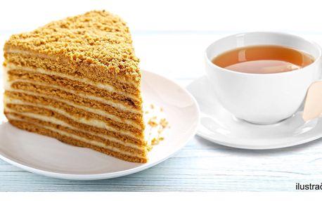 Medovník se šlehačkou a čaj dle výběru pro 2