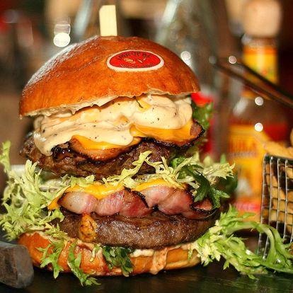 Dva poctivé burgery a hodina bowlingu
