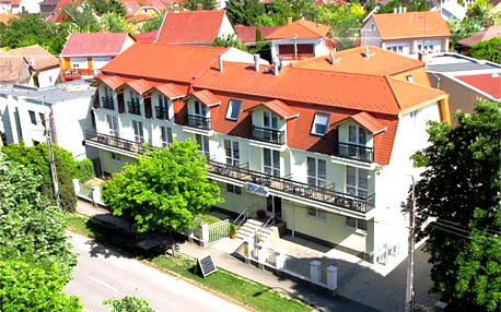 Hotel Kristály, Nekonečný relax a zábava v největších evropských lázních
