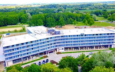 Park Inn by Radisson Hotel and Spa Zalakaros****, Designový hotel z wellness v maďarském lázeňském městečku