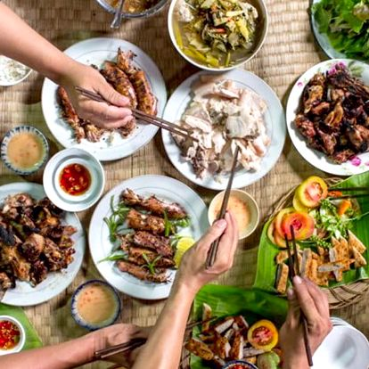Pestré vietnamské menu pro 2 nebo 4 osoby