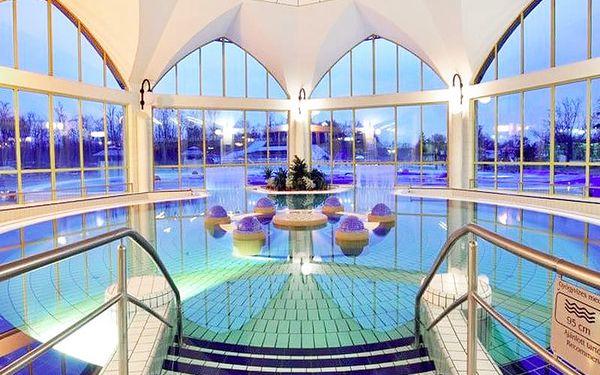 Populární 4* Park Inn Sárvár s neomezeným vstupem do termálů propojených s hotelem tunelem + polopenze a dítě do 5,9 let zdarma