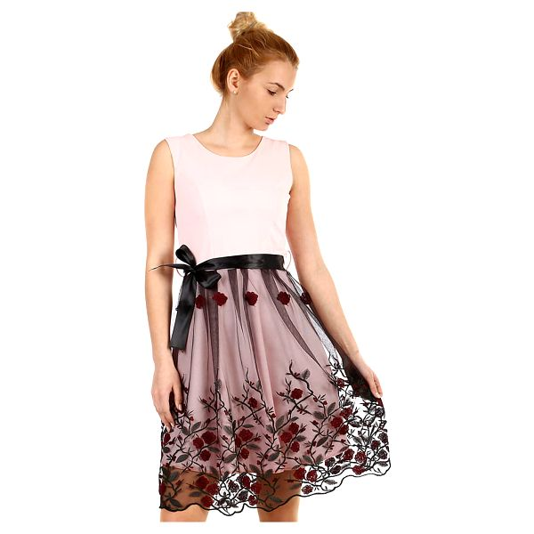 Áčkové večerní šaty s vyšívanou sukní z tylu černá3