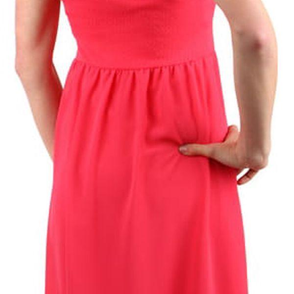 Elegantní jednobarevné šaty s vlečkou černá5