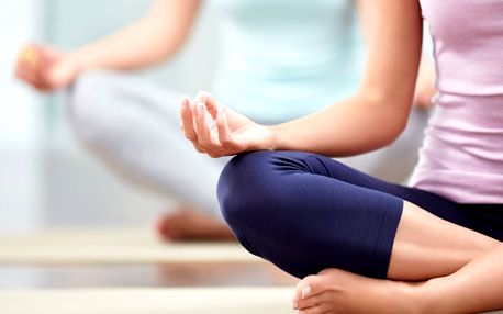 Buďte fit: vstupy na jógu a pilates dle výběru