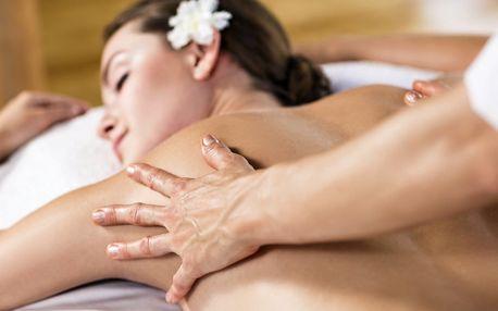 Valentýnské relaxační voňavé masáže s peelingem