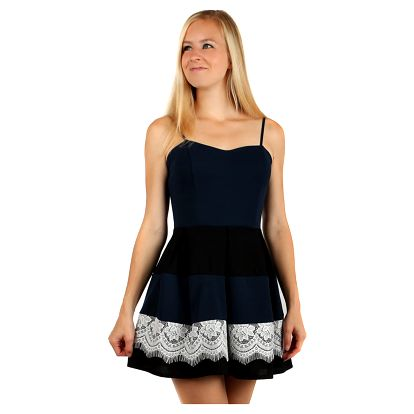 Šaty se skládanou sukní a vrstvou krajky modrá