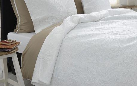 Bílý přehoz přes dvoulůžko se dvěma povlaky na polštář Sleeptime Clara 260x250cm