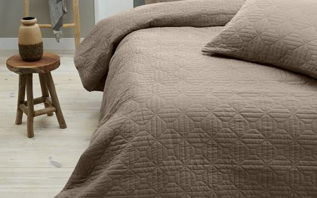 Hnědý přehoz přes postel se dvěma povlaky na polštář Memphis, 260x250cm