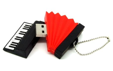 Flash disk ve tvaru hudebních nástrojů