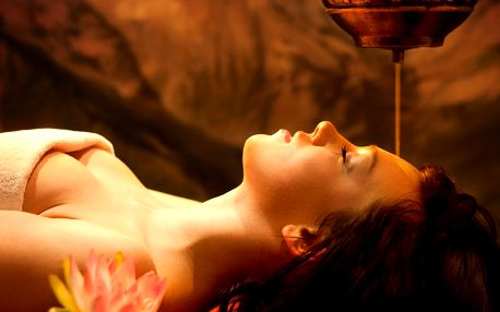 Výběr ajurvédských masáží pro blaho těla i duše