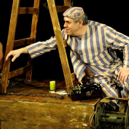 Divadelní představení A na hrušce sedí diktátor