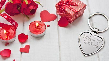 Přívěsek na klíče ve tvaru srdce s rytinou vašeho vlastního textu