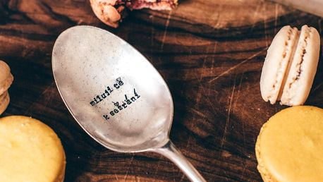 La de da! Living Postříbřená dezertní lžíce Miluji tě k sežrání, stříbrná barva, kov