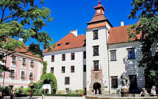 First minute: Jižní Čechy ve 4* hotelu v centru historické Třeboně se vstupem do lázní, vínem a polopenzí