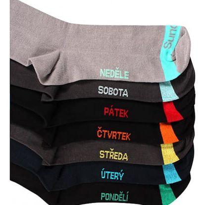 7 párů pánských ponožek s názvy dnů