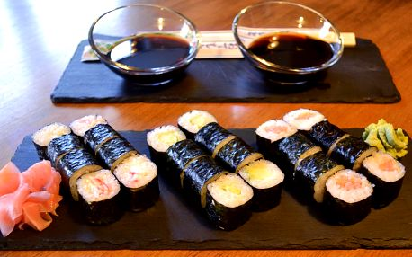 Sushi set dle výběru v stylové mořské restauraci