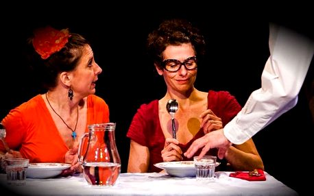 Divadelní představení Ty dvě, které obědvají