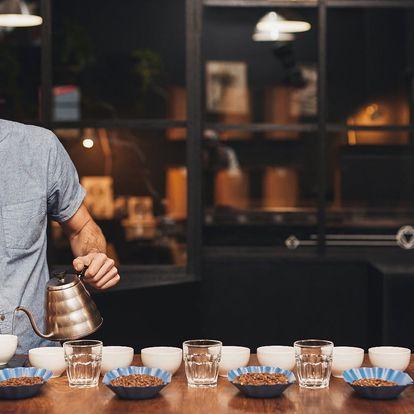 Degustace káv tří kontinentů, povídání a mlsání