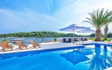 Hotel Perla****, 4* odpočinek u moře nedaleko krásných historických měst