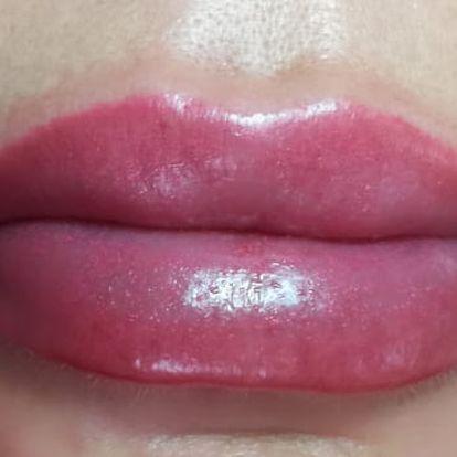 Permanentní make-up nebo 3D vláskování