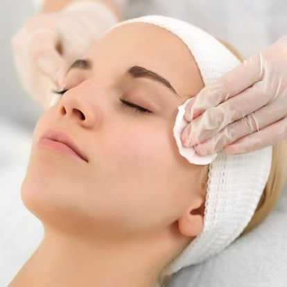 Kompletní kosmetické ošetření pleti proti vráskám
