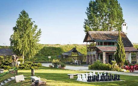 Maďarský Győr unikátně: dovolená ve stylovém dřevěném bungalovu + celodenní vstupenka do termálů či na pláž a další aktivity
