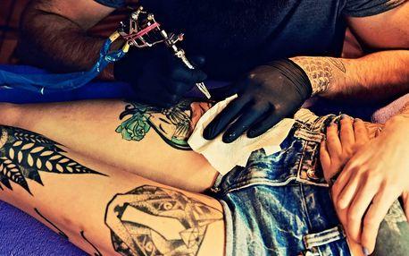 Nové tetování s motivem podle vlastního výběru