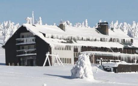 Last minute pobyt na Dvorské boudě v Krkonoších od 305 Kč za noc včetně polopenze. Hlavní lyžařská sezóna za skvělé ceny.