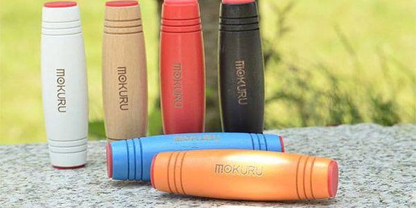Antistresová hračka Mokuru v různých barvách a provedeních