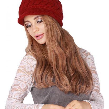 Dámská zimní čepice s kšiltem