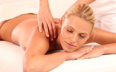 Léčivá masáž zad a šíje s ošetřením tělovou svící