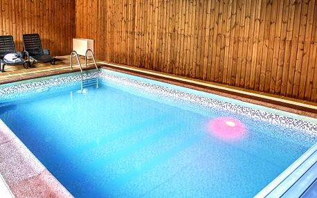 Výlety i relax na Moravě: polopenze a bazén