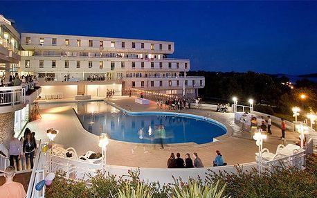 8denní pobyt pro 1 s polopenzí v hotelu Delfin u chorvatské Poreče