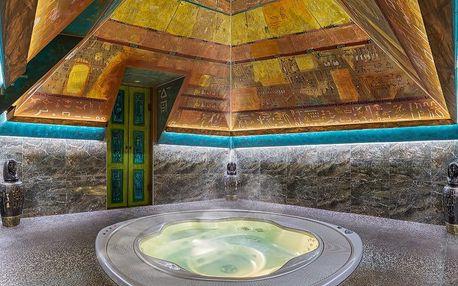 Privátní vířivka v pyramidě vč. slaného bazénu
