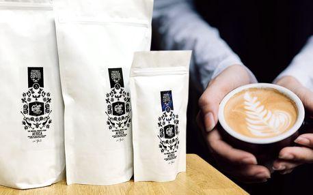 Čerstvě pražená výběrová káva z Afriky