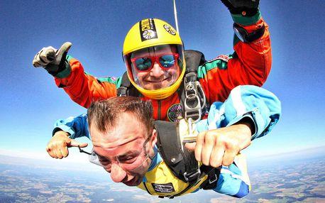 Adrenalin: Let s tandemovým seskokem a videozáznamem