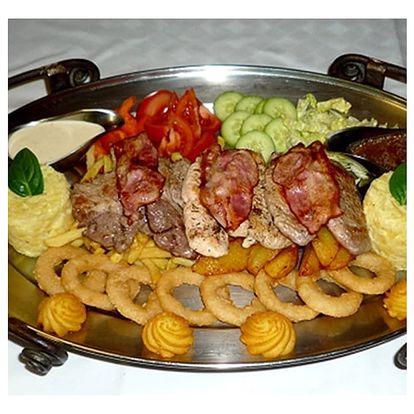Výtečné Rudolfovo plato 1,5 kg v restauraci Golemův Restaurant, svíčková, kuřecí, krkovička.