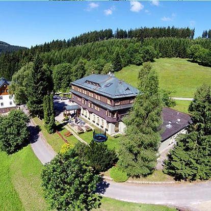 Jarní pobyt pro dva v 3*+Alpském Hotelu, polopenze, masáž, wellness centrum, palačinka s ovocem.